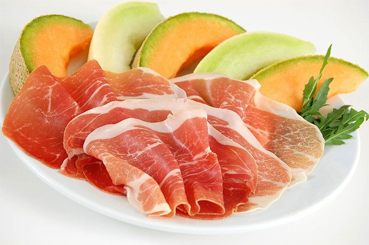 how does prosciutto smell