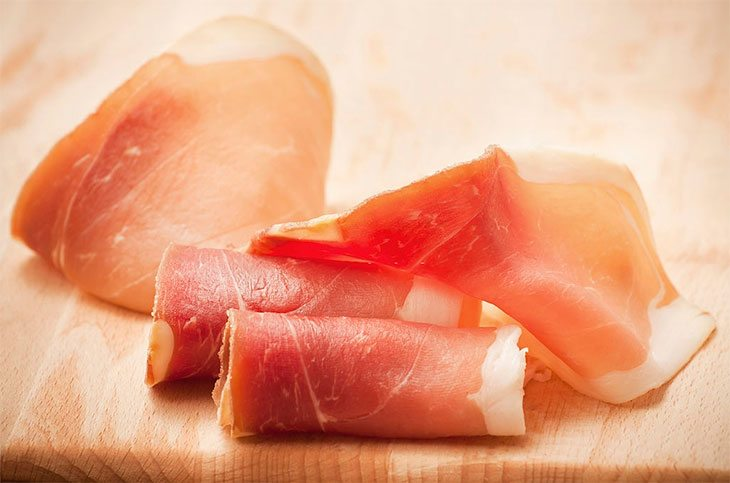 how does prosciutto taste
